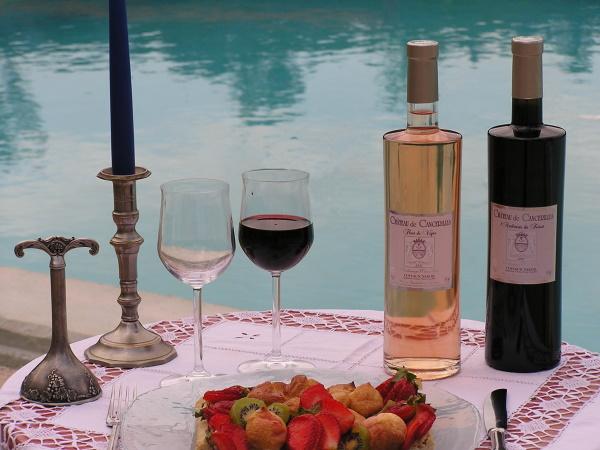 bouteilles-piscine-cave-vacances