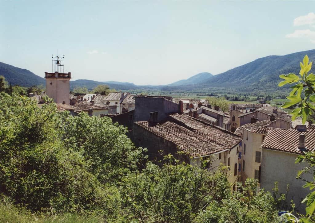 village-provencal-signes-vacances